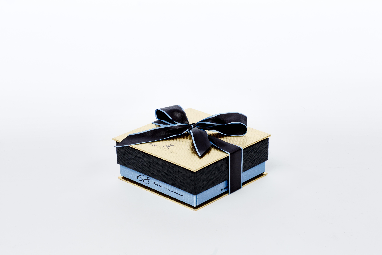 scatola cofanetto con fiocco